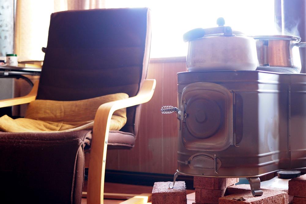 能登島の冬支度「薪ストーブ」